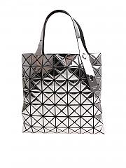 [관부가세포함][바오바오 이세이미야키] Silver soft bag with geometric pattern (BB88-AG122 91)